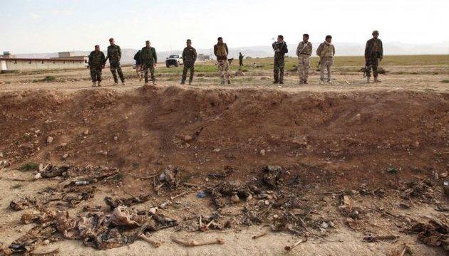 В Синджаре уничтожаются братские могилы езидов